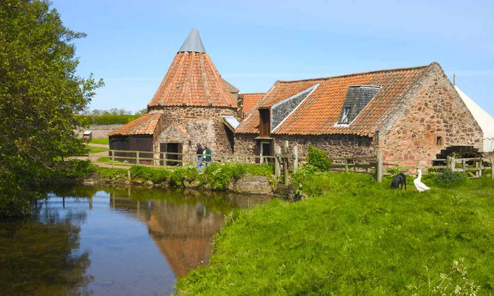 Preston Mill, a picturesque mill in East Lothian